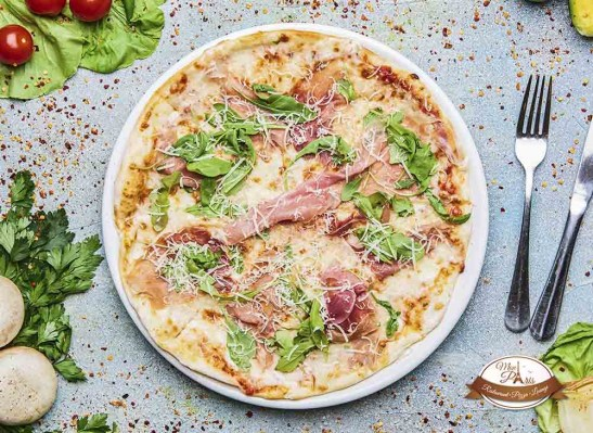 387449_Pizza Prosciutto rucola_restaurant owned